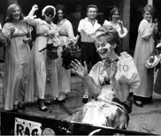 brighton-rag-queen-put-in-the-stocks-october-1956-rowena-higgs-aged-B4W9PA.JPG.